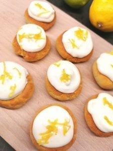 Lavkarbo kjeks med sitronkrem