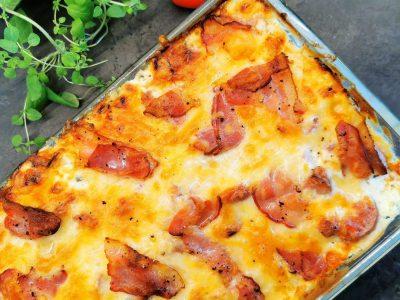 Blomkålgrateng med pølse og bacon