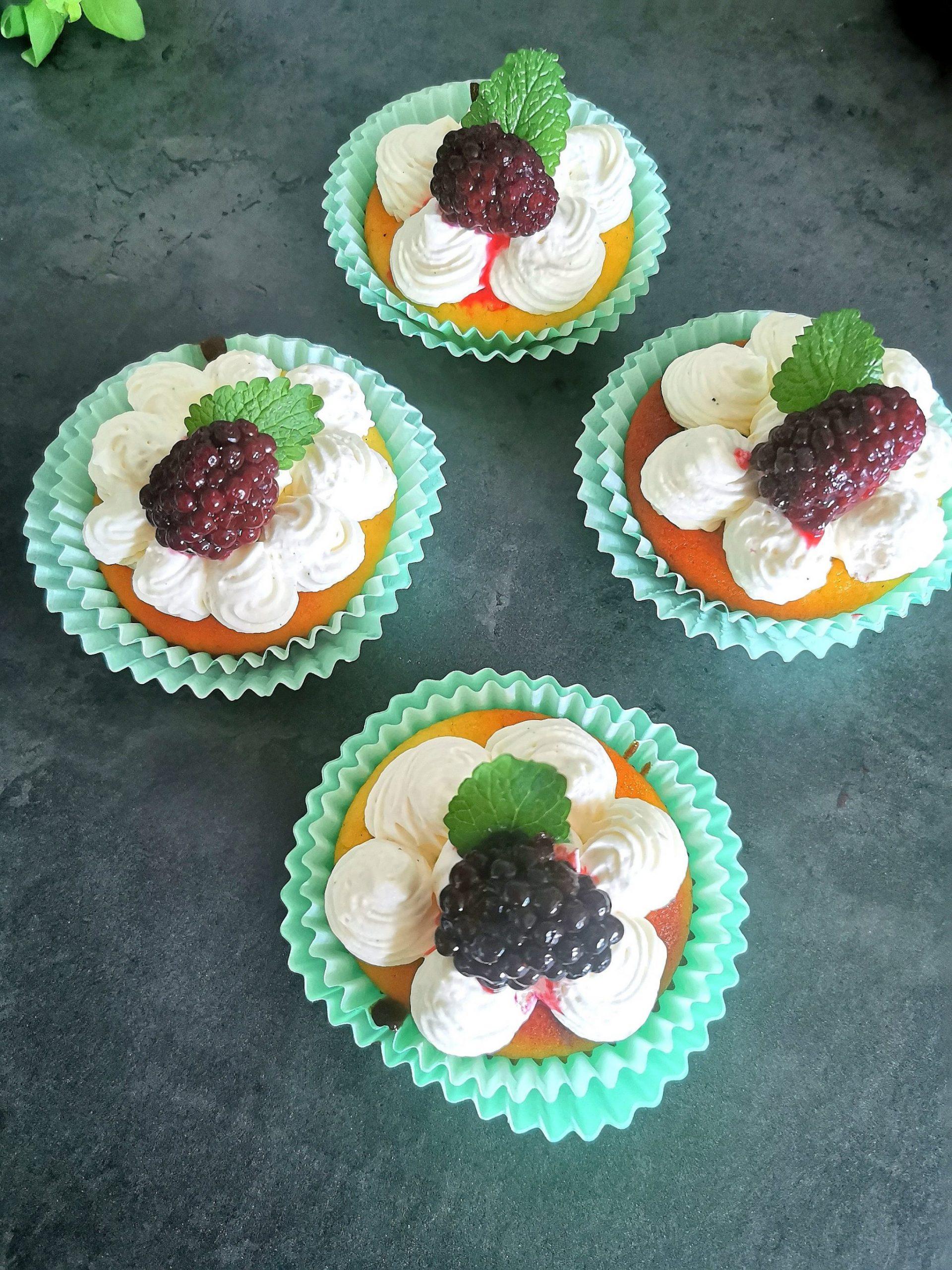 Lavkarbo muffins med sitronkrem