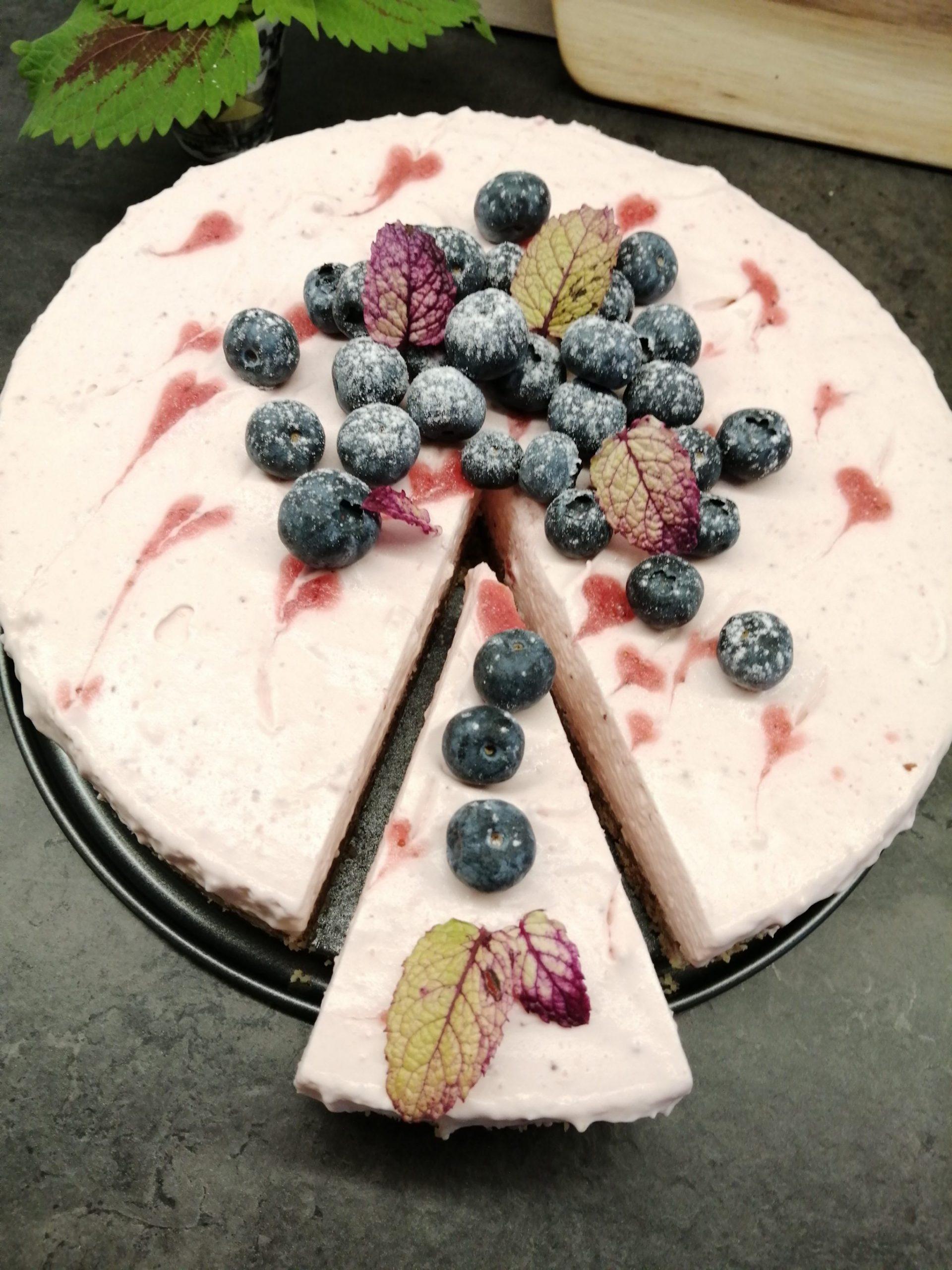 Lavkarbo ostekake med jordbær