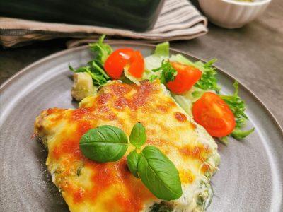 Lavkarbo fiskegrateng med pesto og spinat