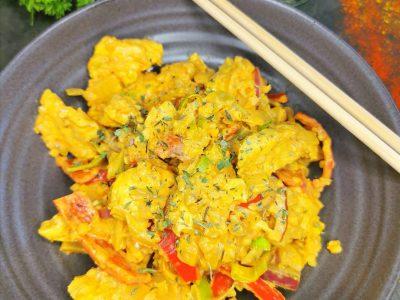 Lavkarbo stekt kylling i oransje blomkålris