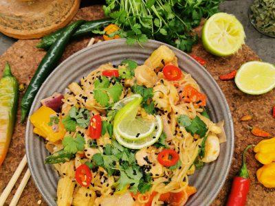 Lavkarbo wok med shirataki nudler og scampi