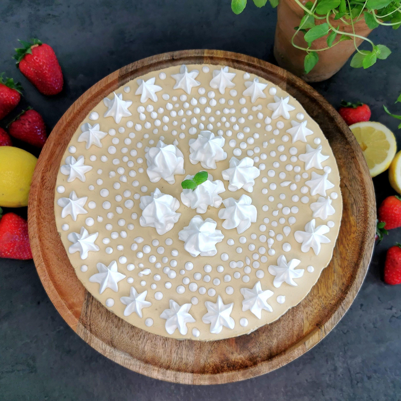 Lavkarbo sitron- og lakrisostekake