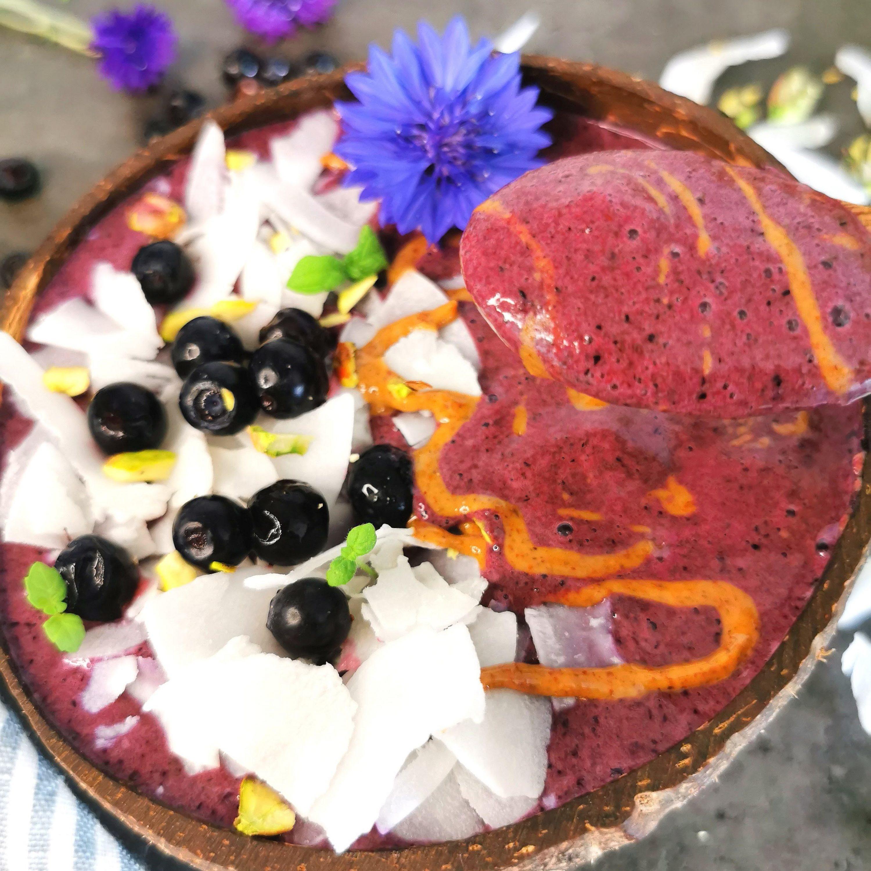 Lavkarbo proteinbowl med blåbær og banan