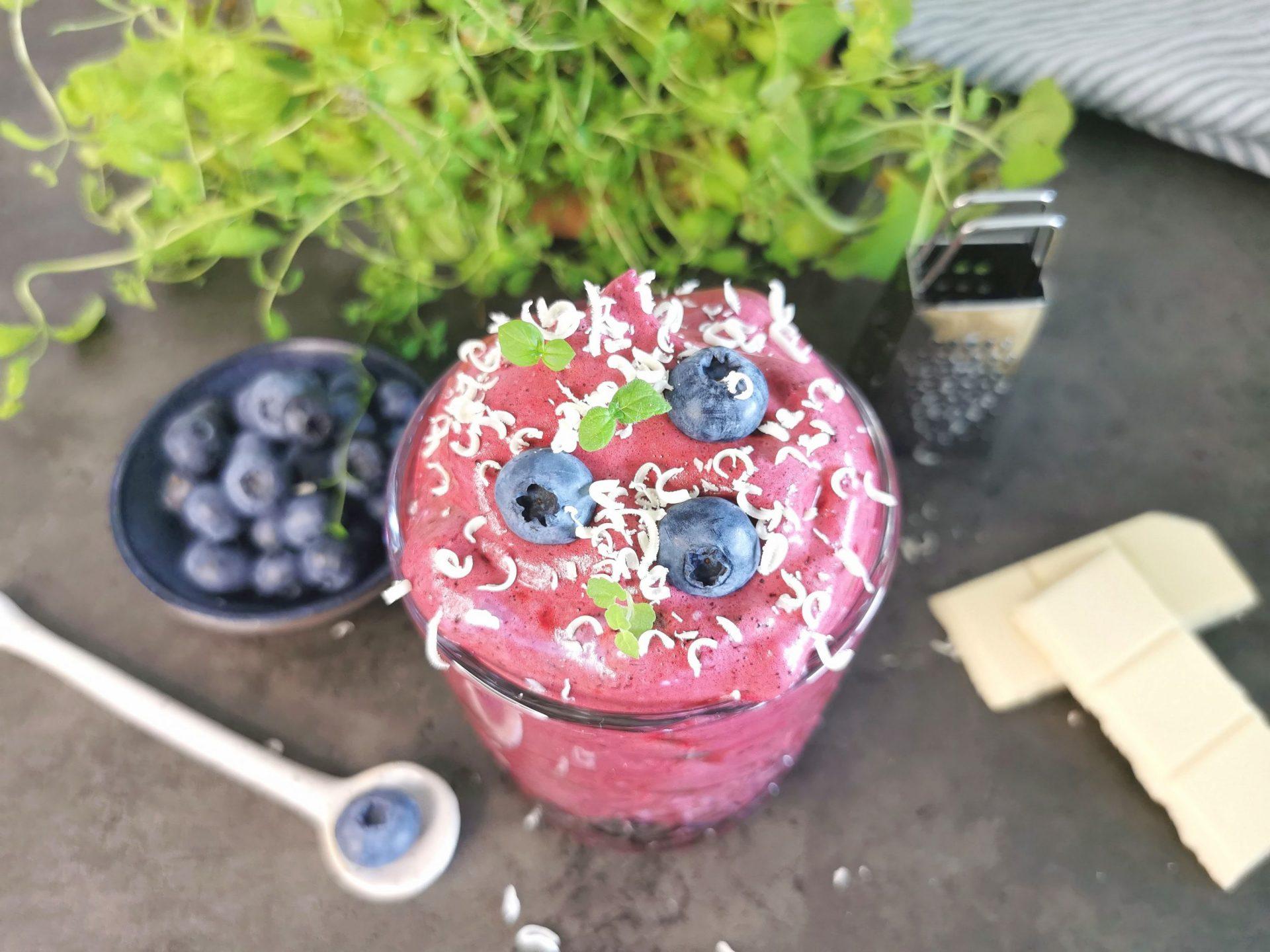 Lavkarbo trollkrem med blåbær