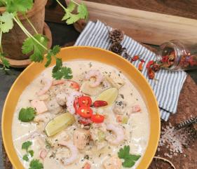 Lavkarbo grønn curry fiskesuppe
