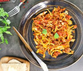 Lavkarbo italiensk gryte med kjøtt og kål