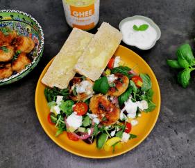 Lavkarbo keftedes – greske kjøttboller med gresk salat