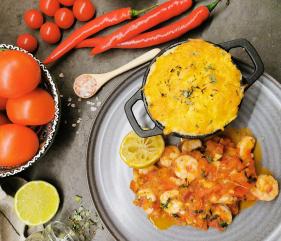 Lavkarbo scampi i tomatsaus med hvitløk og koriander