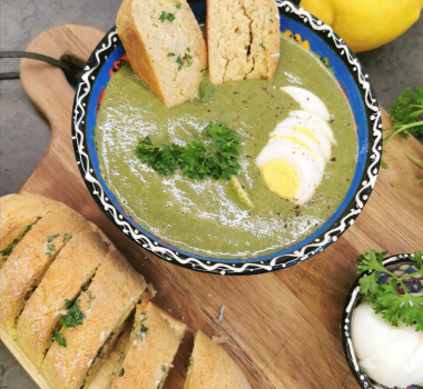 Lavkarbo spinatsuppe med egg